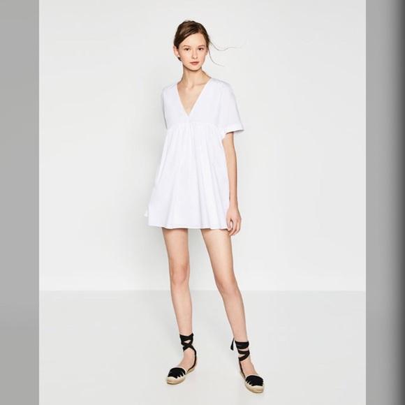 7272aceb76f Zara Low Cut Jumpsuit Dress. M 5a88c9a4fcdc315ea1e8e9a1